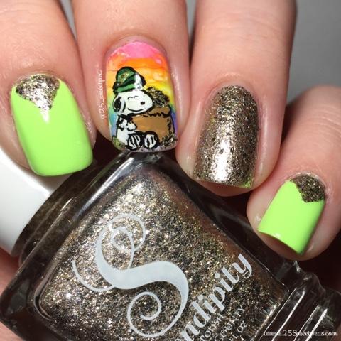 Snoopy Nail Art