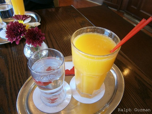 Freshly-Squeezed Orange Juice at Julius Meinl, Chicago, Illinois - RatedRalph.com