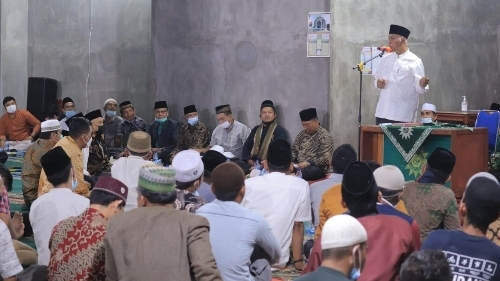 Safari Ramadan, Gubernur Sumbar Serahkan Bantuan Pembangunan Masjid Taqwa Pasaman