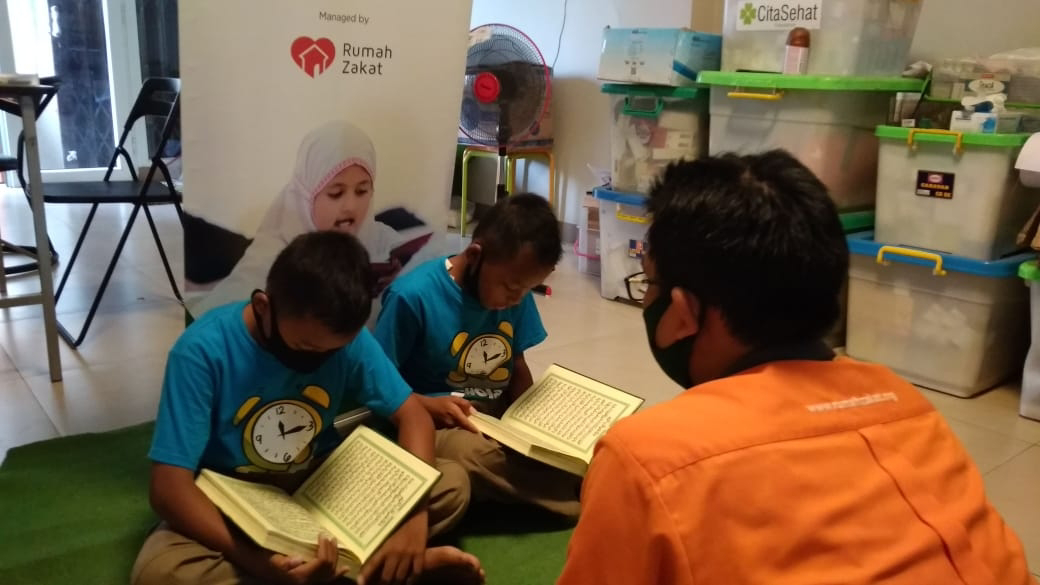 Menghafal Surat Arrahman Warnai Pembinaan Anak Juara DKM AHM Bekasi