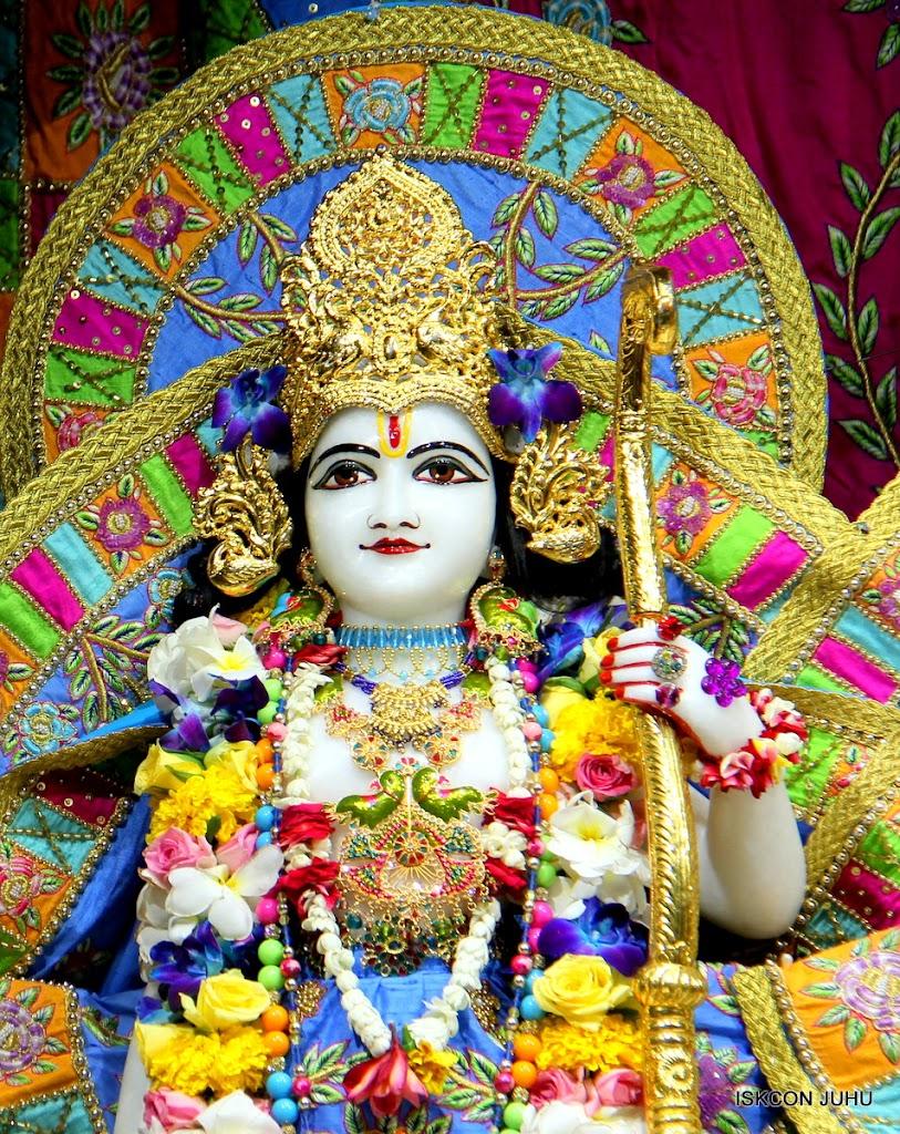ISKCON Juhu Sringar Deity Darshan on 29th April 2016 (36)