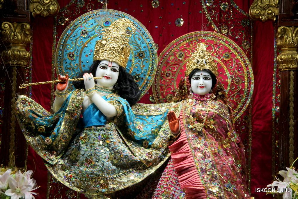ISKCON Juhu Mangal Deity Darshan on 25th Oct 2016 (18)