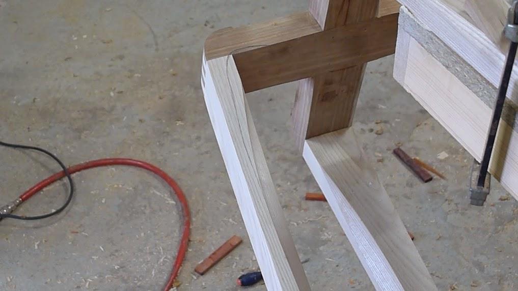 Chaise design pour petit garçon - Page 2 P1060970