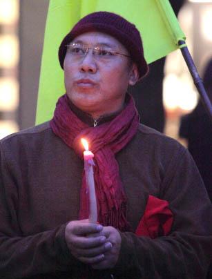 10/19/11 Tibet is Burning! Candle Vigil for Tibet - cc%2B022010-19%2BTibet%2B72dpi.jpg