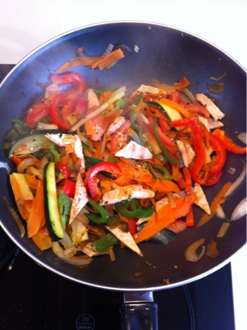 Recetas f ciles para cocinar con wok wok de pollo con - Cocinar con wok en vitroceramica ...