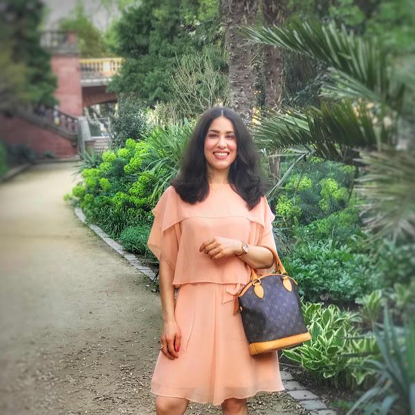 Style: Frühlingsoutfit mit pastellfarbenen Kleid von & Other Stories