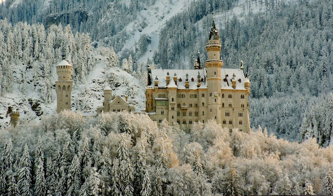 Neuschwanstein Castle looks like something from a fairy tale