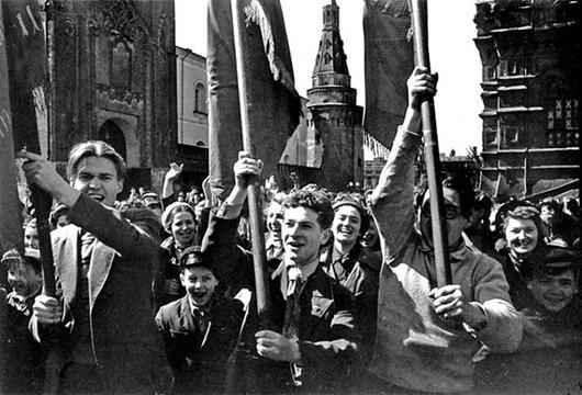 Прага. 9 мая 1945 — Historion   360x530