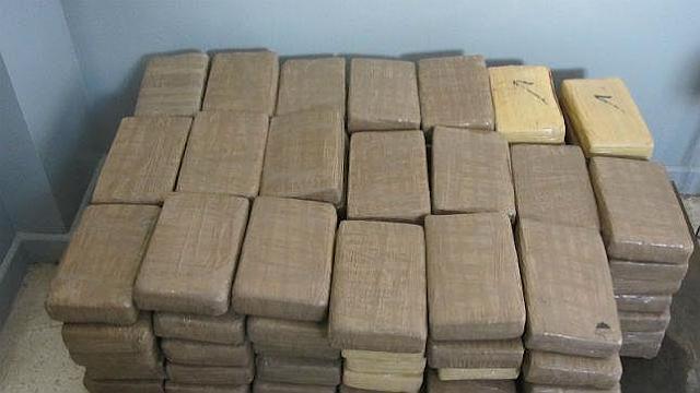Detienen a dos dominicanos intentaron entrar a PR con 250 kilos de cocaína