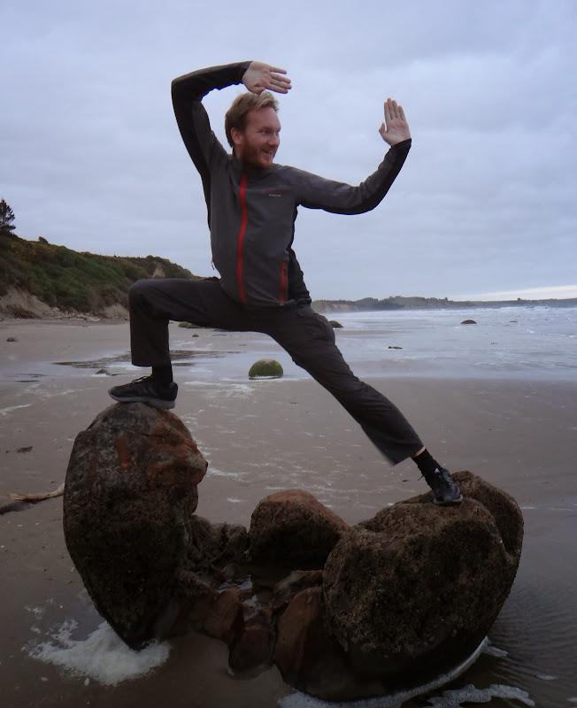 Chris Turtle Ninja zerbricht Boulder am Strand