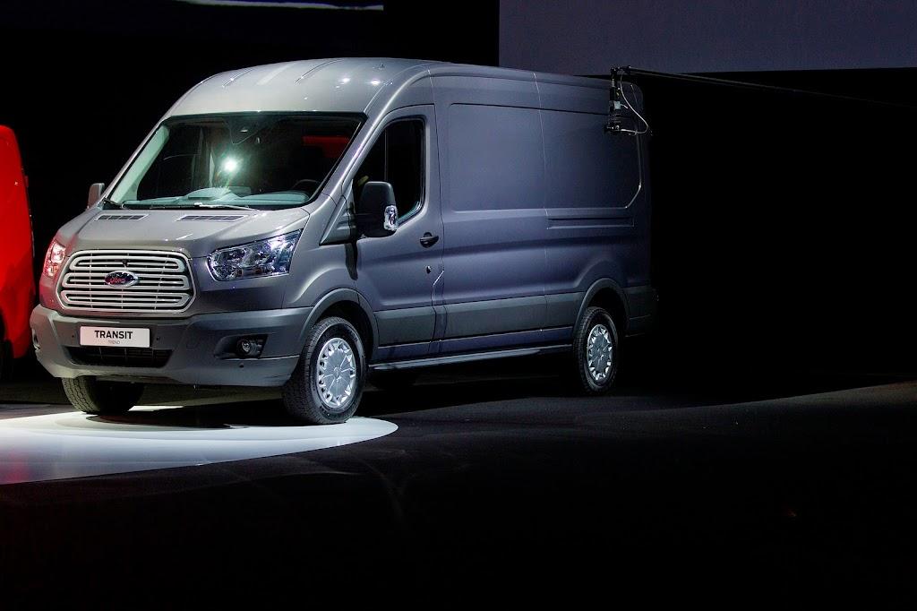 2014-Ford-Transit-03