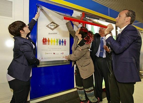 Campaña en Metro por la igualdad real de lesbianas, gais, transexuales y bisexuales