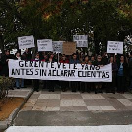 Manifestación ante la Cooperativa Caval