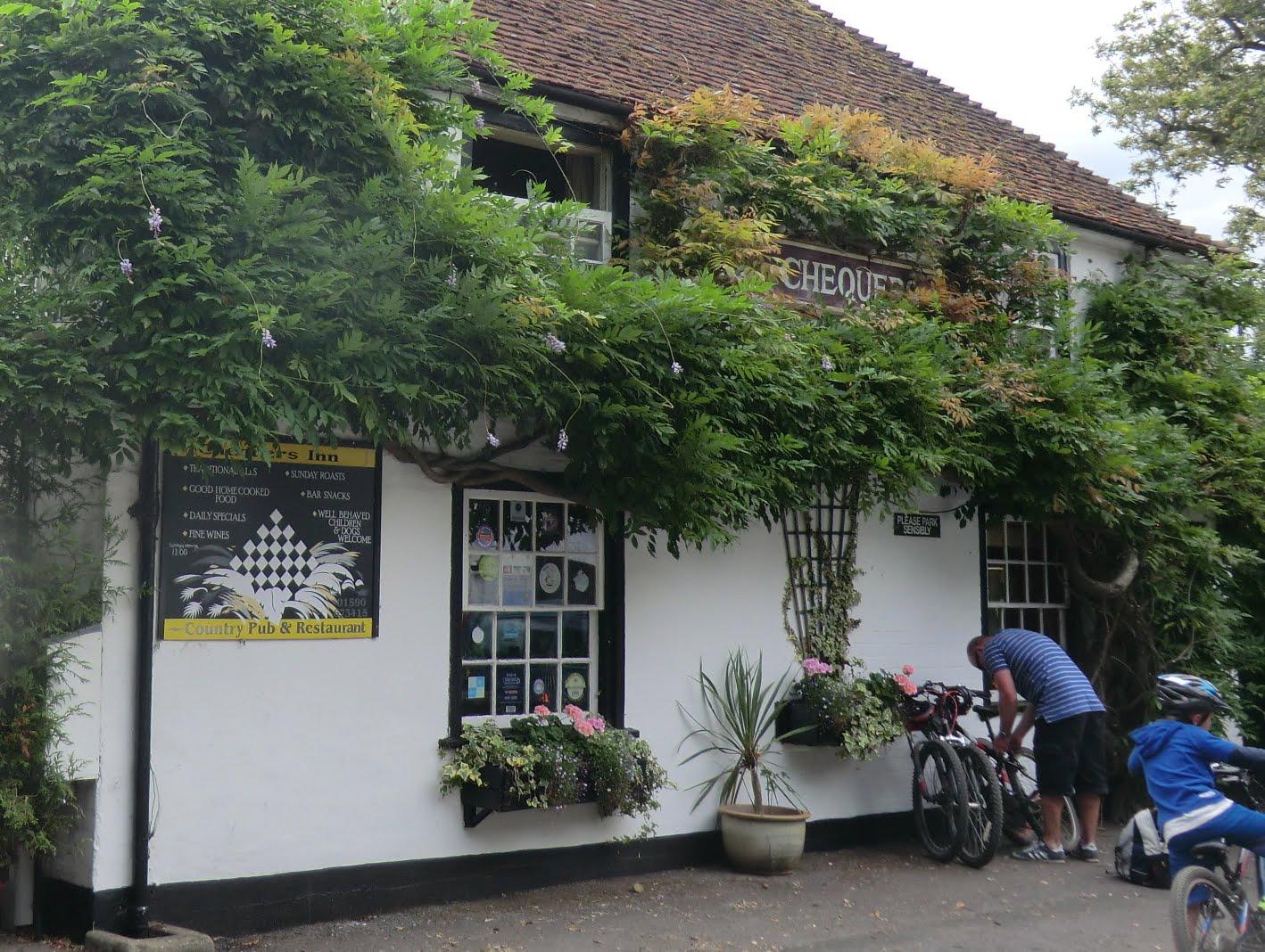 CIMG4464 Chequers Inn, Lower Pennington