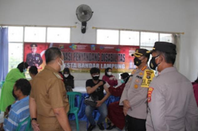 Polresta Bandar Lampung Gelar Vaksinasi Bagi Penyandang Disabilitas