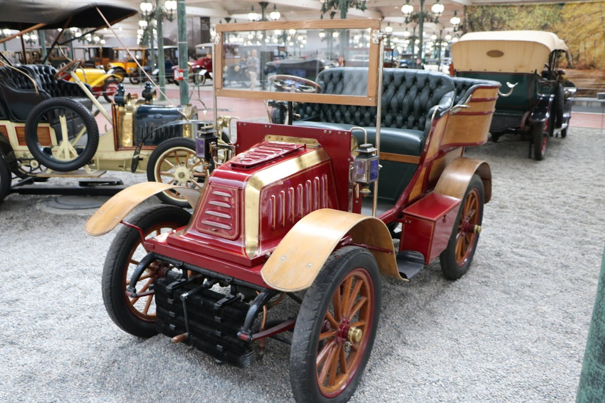 Schlumpf Collection 0503 - 1902 De Dion-Bouton Tonneau Type O.jpg