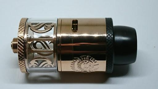DSC 2948 thumb%255B2%255D - 【RDTA】「AUGVAPE Merlin RDTA」レビュー。あのマーリンの名を継ぐエングレービングの美しさとメタリック感ボディのRDTA!ヘビードローで美味しい ※追記あり【VAPE/電子タバコ/爆煙/アトマイザー】