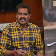 Chuttalabbai Director Interview Stills
