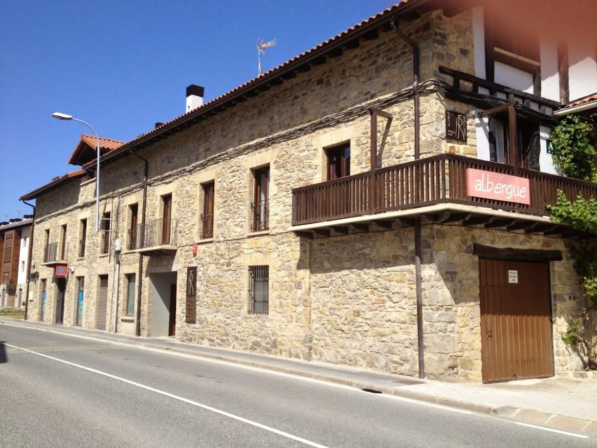 Albergue El Palo del Avellano, Zubiri, Navarra, Camino de Santiago