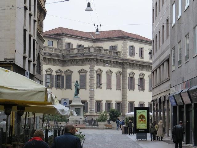 Statua di Cesare Beccaria