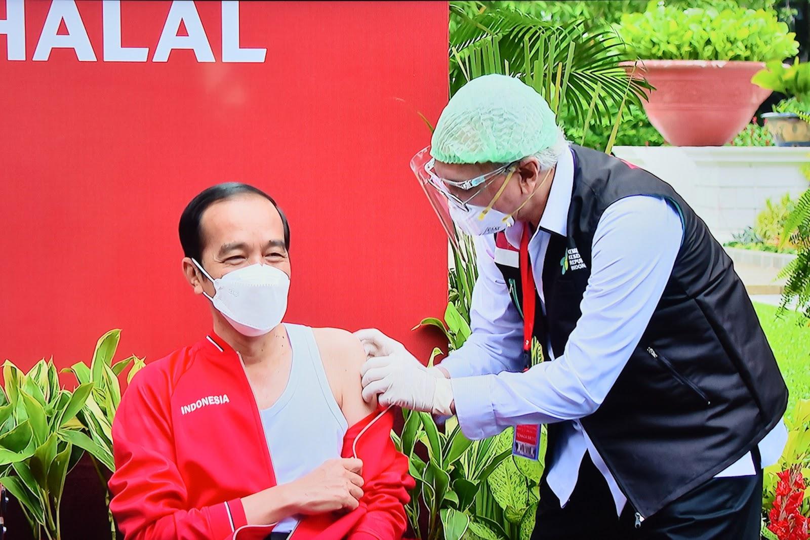 Ini Kesan Presiden Jokowi Usai Disuntik Vaksin COVID-19 Dosis Kedua