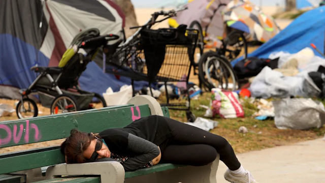 Los Angeles Could Begin Clearing Homeless From Venice Beach Boardwalk Ahead Of Sheriff's July 4 Goal