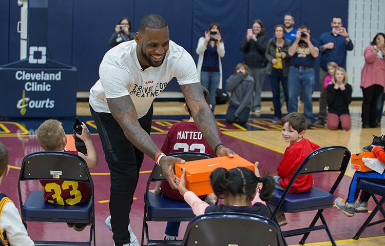 aed609b4f60 ... LeBron James and Nike Unveil FlyEase Version of LeBron Soldier 10 ...