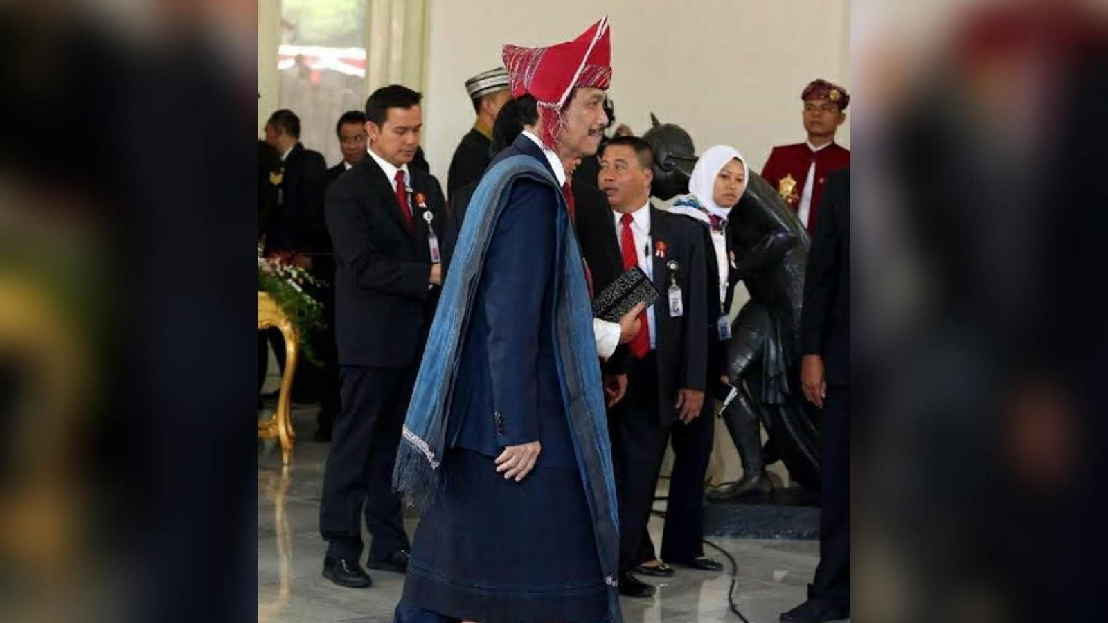 Selama Luhut Berkuasa, TKA China akan Terus Berdatangan ke Indonesia