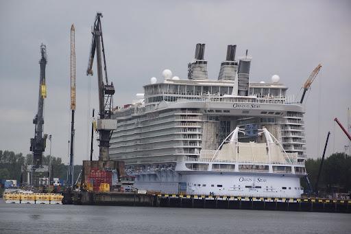 Oasis Of The Seas 029.JPG