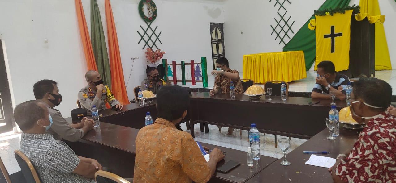 Kapolres Soppeng Jalin Komunikasi Dengan Pendeta  dan Pengurus GKKS Imanuel