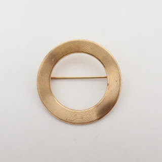 14K Gold Round Brooch