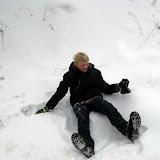 Wiktor, chwilę przed natarciem go śniegiem :)