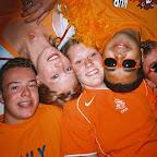 Oranjefeest bij Iris 19-06-2004 (8).JPG