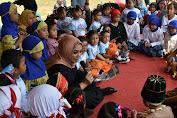 Bupati Karawang Melaunching Gerakan Nasional Orang Tua Membacakan Buku