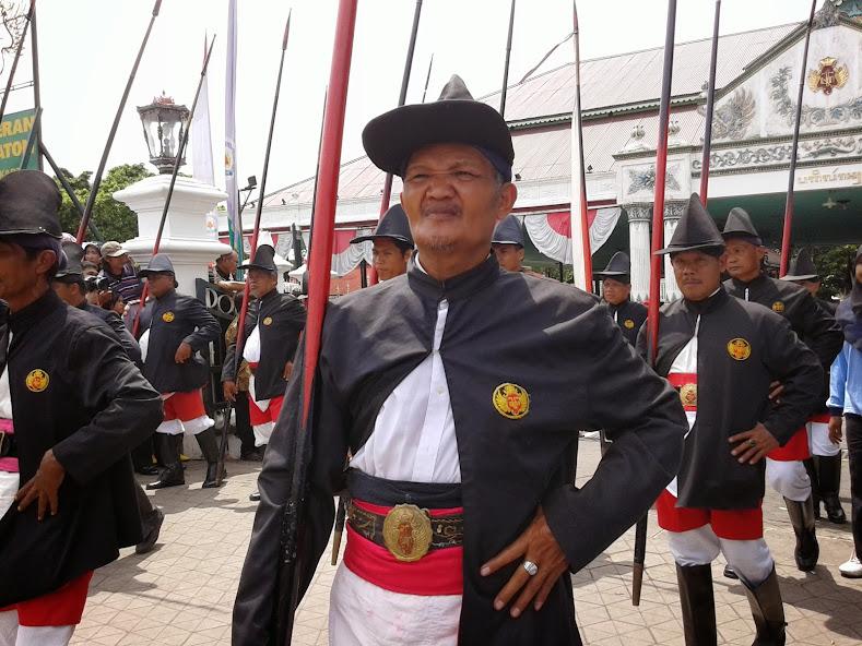 Parade Prajurit Kraton di Upacara Grebeg Maulud