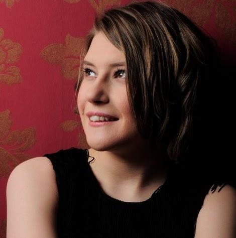 Stephanie Ritchie Photo 17