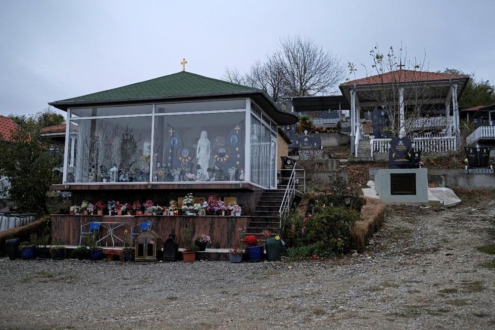 serbia-bungalow-cemeteries-8
