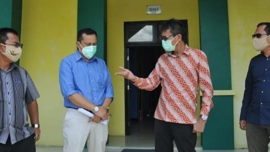 Tinjau Ruang Isolasi di Asrama Haji, Irwan Prayitno Terus Perkuat Upaya Penanganan Covid-19