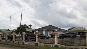 Rumdis Ketua DPRD Muarojambi Tak Ditempati, Kini Jadi Tempat Penitipan Mobil Rongsokan