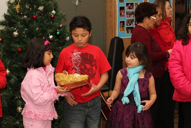 OLOS Navidad 2010 con Amigos Migrantes - IMG_9809.JPG