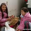 Момичета в град Костенец