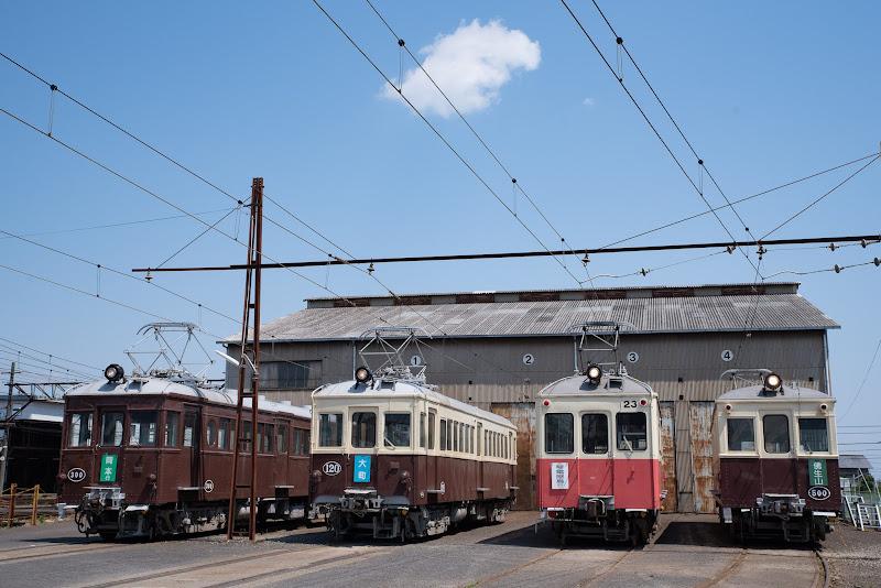 180504 仏生山車庫に並ぶレトロ電車