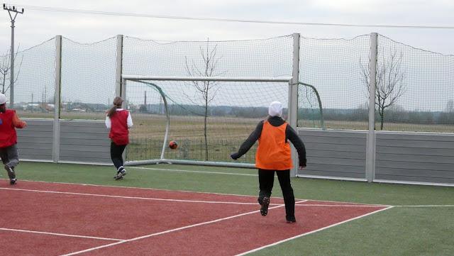 Priateľský futbalový zápas žien z JUHu a z Lábu - P1070336.JPG