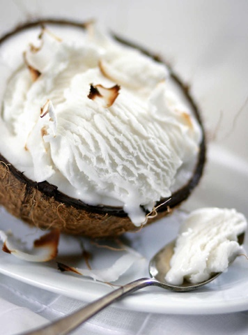 How to Make Coconut Ice Cream