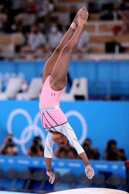 Rebeca Andrade ouro no salto sobre a mesa em Tóquio 2020