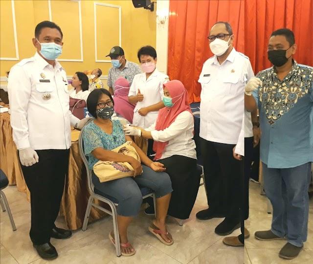 Vaksinasi Terhadap 800 Warga Tanjung Morawa