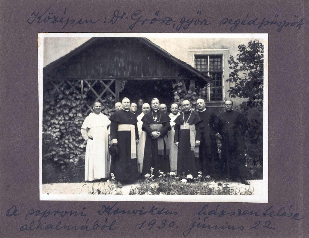 Múlt - Csopk%25C3%25A9p_Sopron_konvikt_h%25C3%25A1zszent_1930.jpg