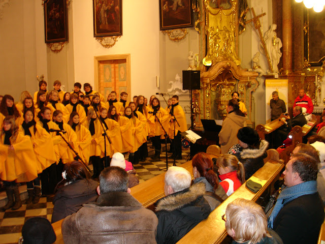 11.12.2012 Galakoncert v rámci 10. ročníku festivalu dětských pěveckých sborů - DSC06941.JPG