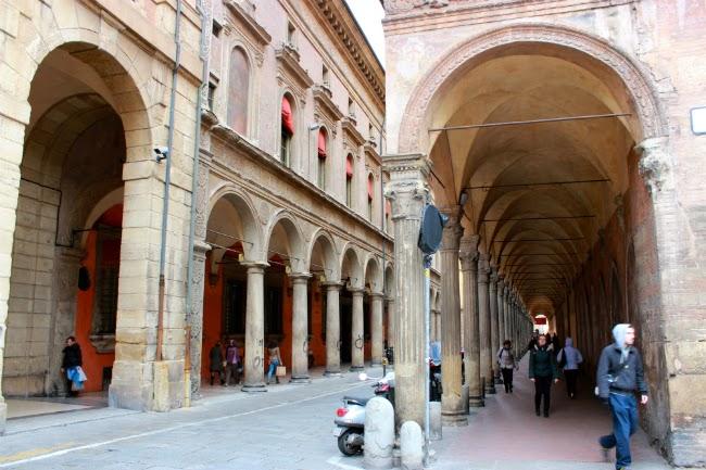 porticos architecture