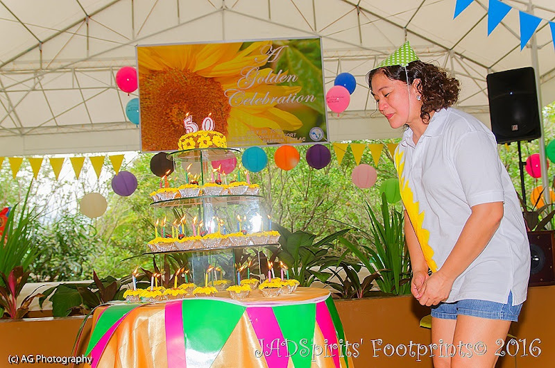 The Sunflower Birthday Cake with 50 cup cakes and 50 candles at Plantationville Resort